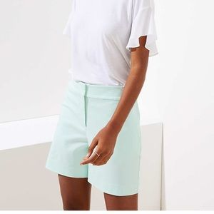 "LOFT The Riviera Short 6"" Inseam"